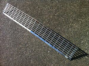 1970 1971 1972 CHEVY II NOVA SS FRONT GRILL ASSEMBLY USED GM