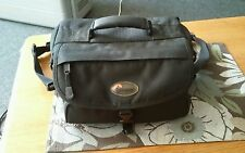 Lowepro Camera Bag Photo Container Travel Case Canon Nikon Sony model# 150