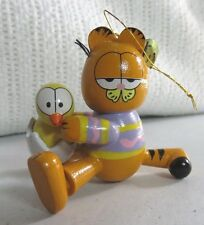 garfield vintage Easter ornament......