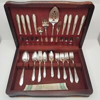 WM Rogers Flatware Hiawatha Silverplate Knives Forks Spoons Serving Utensils
