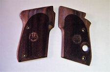 Beretta Tomcat 3032 Factory Checkered Walnut Grips .32 auto pistol  UD6A0354
