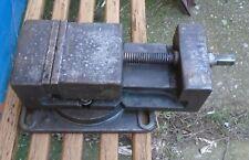 alter Maschienenschraubstock Schraubstock Spannweite 10 cm Backenbr. 16 cm 52 Kg