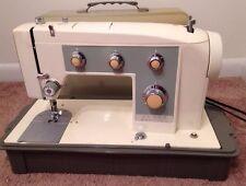 KENMORE 158.923 Zig Zag Sewing Machine with Case Beautiful Heavy Duty Machine!