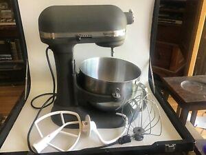 KitchenAid Epicurean 6 Quart Mixer - W/Bowl & 3 Attatchments