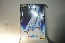MAQUETTE HELLER FUSEE ARIANE 5  1/125 ARIANESPACE KOUROU 1998