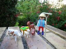 PLAYMOBIL La fermiere avec ses chèvres comme neuf, pas de boite.