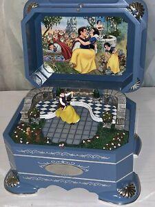 RARE Disney Spinning Snow White 's Dance Wood Music Box VIDEO