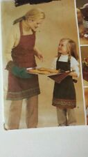 2003 NEW Butterick #3983 Apron Oven Mitt Pot Holders Gift & Bottle Bags NIP