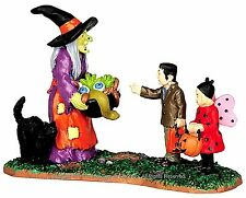 Lemax 42212 SCARY CANDY Spooky Town Figurine Halloween Decor Witch Figure I