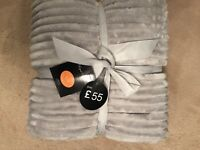CHUNKY RIB THROWS 3 COLOURS GREY/MINK/MOCHA 200x240 £35 EACH( RRP £55)