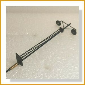 Twin Yard Light 110mm with Ladder - Fitted with 12v Resistor - OO Gauge (1pcs)