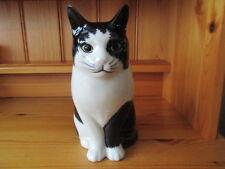 BEAUTIFUL QUAIL POTTERY CERAMIC BLACK/WHITE CAT FLOWER VASE  BOXED IDEAL GIFT