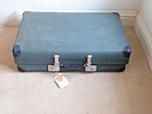 """Vintage """"Revelation"""" Suitcase /Trunk 70cm x44cm x19cm"""