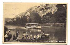 waulsort  bateau devant les hotels