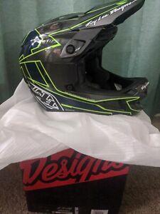 Troy Lee Designs D4 Carbon Graph Gray Helmet Size Medium 57-58cm