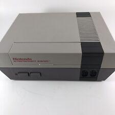 Nintendo NES-001 Console Power Supply 2 Controllers Zapper Gun Bundle