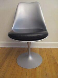 Knoll Eero Saarinen Tulip Chair in Silver Mid-century Modern