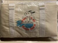 Snoopy Cooler Bag Vintage 1958 United Feature Syndicate Beagle Beach  8 x 8 x 14