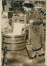 Mademoiselle Paris 1936 au salon des Arts ménagers Vintage silver print