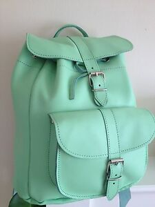 GREEN LEATHER BACK PACK / RUCK SACK GREEN