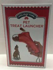 Pet Treat LauncherPet Training Fun Load Push Button No Battery New in Box