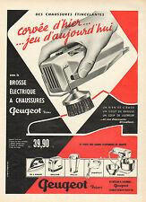 Publicité Advertising 1960  PEUGEOT brosse à chaussure fer à repasser batteur