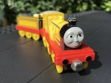 Thomas & Friends Take-n-Play. Molly The Bright Yellow Engine & Tender.
