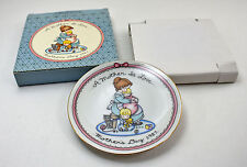 """Joan Walsh Anglund """"A Mother Is Love"""" Mother's Day Plate 1987 - Avon 5-1/8"""" Dia."""