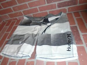 HURLEY PHANTOM BOARD SHORTS  MENS SIZE 36 IN ABOVE GOOD CONDITION