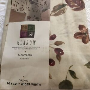 """NEW Linens-N-Things Meadow 70"""" x 120"""" Oblong Tablecloth Berries Leaves Flowers"""