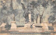 PARIS statue de la fontaine