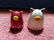 DESIGN -- SET OF Ceramic 'PIGGY' SALT & PEPPER SHAKERS -- FREE SHIPPING in USA!!
