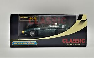 SCALEXTRIC CLASSIC GP VANWALL F1 1957 No 10 C2552 - BOXED WORLDWIDE SHIPPING