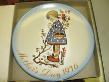 Hummel Mother's Day Plate 1976-Devotion for Mother With Box