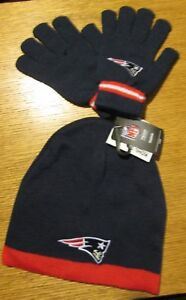 NEW ENGLAND PATRIOTS REEBOK YOUTH SIZE STOCKING CAP AND GLOVES