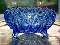 BEAUTIFUL VINTAGE HEAVY BLUE GLASS THREE FOOTED FLUTED EDGED FRUIT BOWL