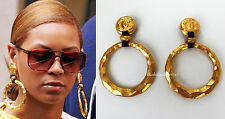 FABULOUS VINTAGE XL HUGE CHANEL CC LOGO HAMMERED GOLD TONE DANGLE HOOP EARRINGS