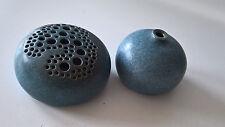 Studiokeramik Steckvase mit Gitter + Vase Handarbeit Keramik blau 70er 80er