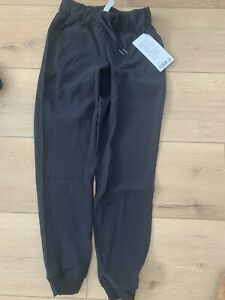 Lululemon On The Fly Jogger *Woven - Black Womens, Size 2