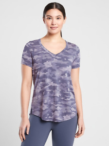 ATHLETA Breezy Printed Scoop V Tee XL in Flora Camo Tempest Violet | Lightweight