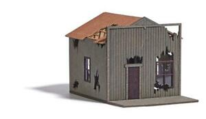 BUSCH HO SCALE DELAPIDATED HOUSE 9718