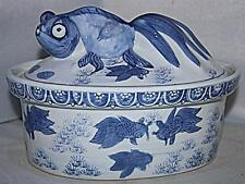 STUNNING UNUSUAL RETRO WHITE BLUE FISH VEGETABLE SERVING TUREEN DISH POT