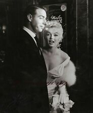 "Marilyn Monroe and Joe Dimaggio.8""X10"" GLOSSY PHOTO PICTURE IMAGE M18"