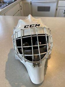 CCM 1.9 Senior Ice Hockey Goalie Face Mask Medium White helmet straight bar