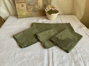 Vintage Table Linen, Green Cotton Mats & Cake Serviettes Floral Embroidery / 4pc