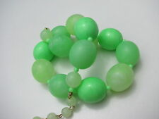 VINTAGE HONG KONG VASELINE GREEN PLASTIC MARBLE CHUNKY BEADS NECKLACE NEON GLOWS