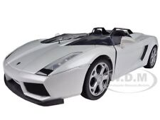 LAMBORGHINI CONCEPT S WHITE 1/24 DIECAST MODEL CAR BY MOTORMAX 73365