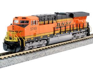 Kato N Scale ES44AC Locomotive BNSF #5749 DC DCC Ready 1768940