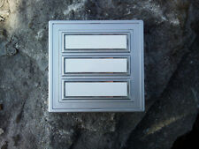 beleuchtbarer Aufputz 3fach Klingeltaster Klingelplatte Silber