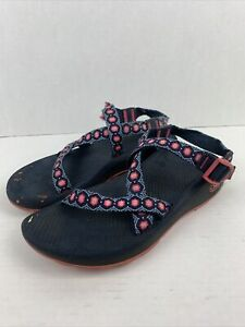 Chaco Classic Red / Blue Tread Hiking Sports Sandals Women's Size 9 Comfy Strap